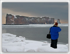 Take a Photo of a Photographer (Renald Bourque) Tags: travel winter canada bravo quebec hiver iloveit percé magicdonkey rocherpercé 25faves lefion abigfave superbmasterpiece