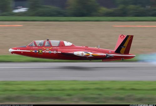 469534497 e7600b9c3e Formula One Car Spyker F8 VII takes on F 16 Fighter Jet
