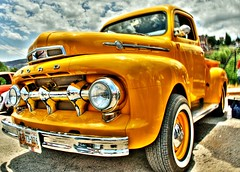 Yellow truck (Tiquis!) Tags: ford colors yellow truck vintage mexico nikon zacatecas hdr photomatix d80 18135mm