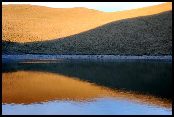 清晨的嘉明湖
