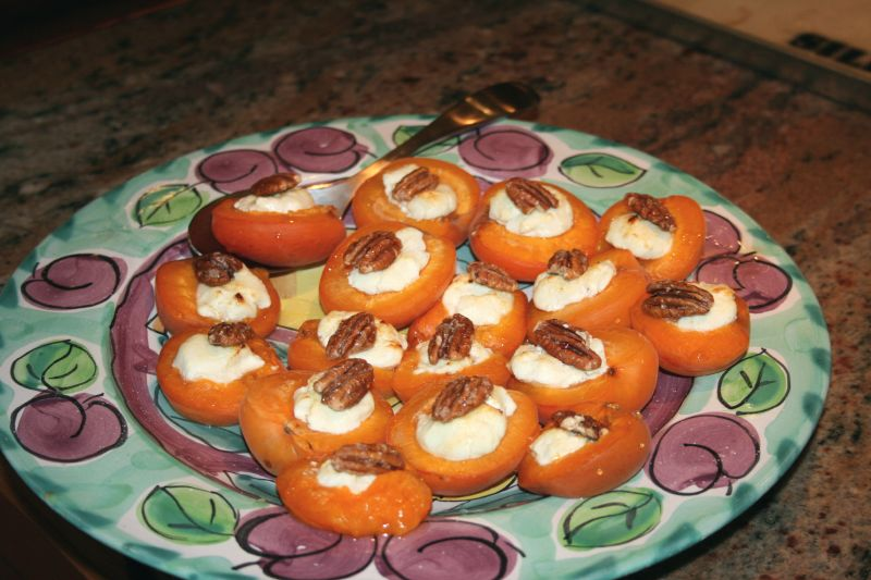Warm nectarines with Goat Cheese and Honey