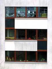 So will ich mit Freuden bleiben (amras_de) Tags: windows window architecture modern wiesbaden fenster s architektur kindergarten oneletter sauerland dotzheim modernearchitektur aplusphoto