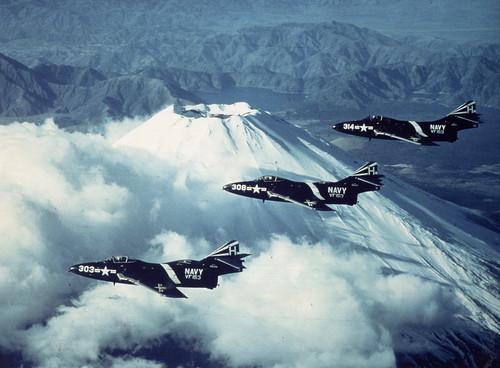 Warbird picture - F9F8 Mt. Fuji