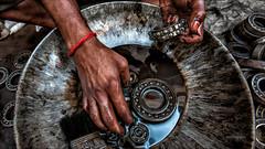 Painted nails - Madurai (Henk oochappan) Tags: madurai travel oochappan asia city tamillifeculture dravidian maduraicitylife canon eos canoneos5d tamilnadu tamil southindia india indianphotography tamilnadumen tamilmen tamilman img1870
