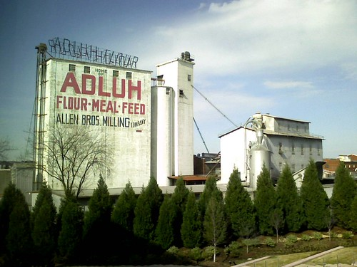 Adluh Flour
