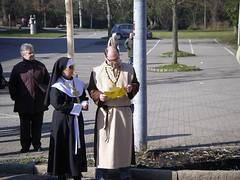 神父修女打扮的也來了