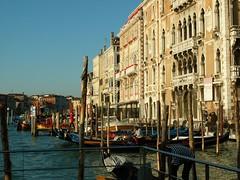 2005_1210_082202AA (Paul Jervis) Tags: venice italy grandcanal gondolas