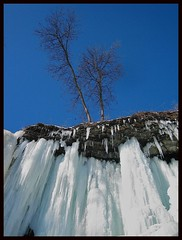 Going Vertical (Jim's outside photos) Tags: blue sky ice nature minnesota bravo photos outdoor minneapolis icicles minnehaha minnehahafalls minnehahacreek outdoorphotos outdoorphotography outstandingshots jimbrekke jimsoutsidephotos abigfave superbmasterpiece jimbrekkecom jamesbrekkecom
