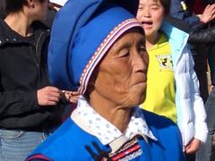 Tradition and modernity - Lijiang, China (schwertmatte) Tags: china bai naxi