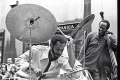 Ben Riley & Percy Heath (Tom Marcello) Tags: drums photography bass jazz jazzmusic jazzmusicians jazzconcert livejazz percyheath jazzplayers jazzphotos jazzphotography benriley theheathbrothers musicalframes jazzphotographs tommarcello