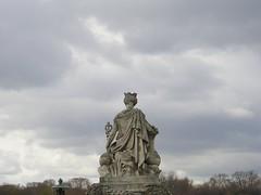 P1010026.JPG (egillers) Tags: statue placedelaconcorde skyparis
