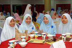 Pelancaran Taman Bahasa Arab & Wada' 07 160 (Roslan Tangah (aka Rasso)) Tags: people d50 photography student nikon candid ceremony indoor event malaysia utm melayu malay johor spi wada