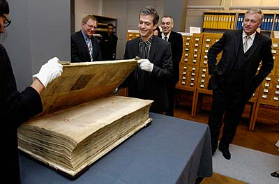 The Devil's Bible: The Biggest Book in the World  - Neatorama