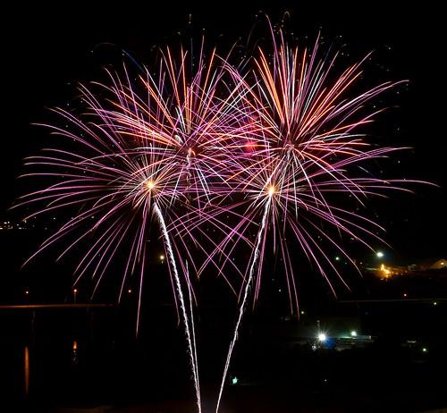 Fireworks 04 by sunsurfr
