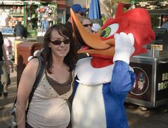 Woodpecker kiss (Jason Abbott) Tags: california losangeles jessica amusementpark wright universalstudios woodywoodpecker fictional nikon18200mmf3556gvr nikond80