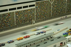 Passing the flag (slambo_42) Tags: wisconsin racetrack greenbay module nscale ntrak titletowntrainshow