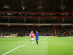Arsenal Vs Man United Cesc Fabregas and Ryan Giggs (shields_t) Tags: london football stadium indoor emirates manu islington highbury arsenal manchesterunited premiership emiratesstadium ryangiggs cesc cescfabregas giggsy
