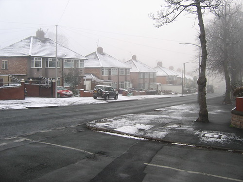 Snow down Elmswood Road