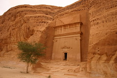 saudi arabia - mada'in saleh (Retlaw Snellac) Tags: travel tourism canon photography middleeast saudiarabia visittheworld madainsaleh waltercallens