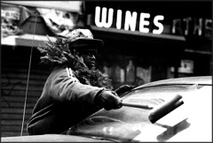 Christmas 1989 (URBAN PHOTOS) Tags: nyc tmax3200 wine homeless crack squeegee
