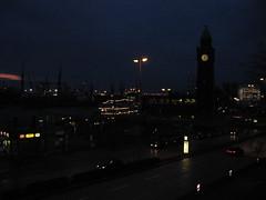Landungsbrücke bei Nacht