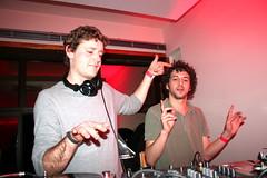 DJ 4T4