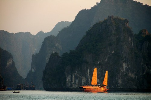 Halong Bay Tour, Vietnam