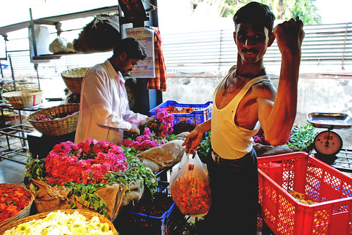 Petals, Toil and Business at Dadar's Phulgalli [PHOTO 5] - Flower Power
