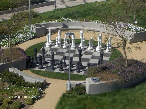 Yahoo Life Size Chess