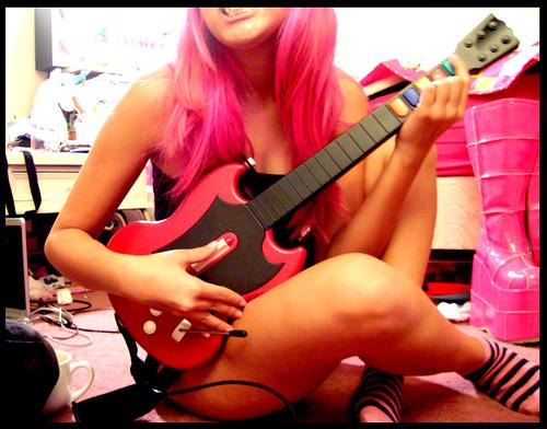 Guitar Hero donará más de 20.000 euros a oenegés