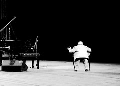michel petrucciani # 2 (manuel cristaldi) Tags: leica blackandwhite bw music film musicians 35mm blackwhite concert hands keyboard key noiretblanc live stage trix piano jazz monitor microphone crutches instruments jazzfestival 2b livejazz musicphotography visualjazz 10faves greatpixgallery10faves views3000 michelpetrucciani pianosolo livemusicphotographs manuelcristaldi feltlife coolestphotographers myverypersonalbw manuelcristaldi