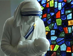 Blessed Mother Teresa and child (Ted Abbott) Tags: life baby ted statue babies catholic charlotte mother saints northcarolina abortion teresa abbott charlottenc prolife blessed knightsofcolumbus motherteresa antiabortion stvincentdepaul supershot abigfave abigfav impressedbeauty aplusphoto tedabbott flickrdiamond