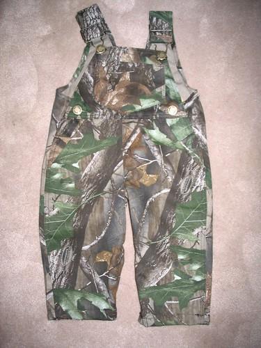 Cletus Wardrobe 006