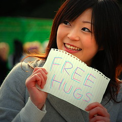 free 'sweet' hugs (jessleecuizon) Tags: beautiful japan lady tokyo free harajuku hugs yoyogi freehugs nikond80 impressedbeauty goldenphotographer