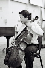 Cellist at play