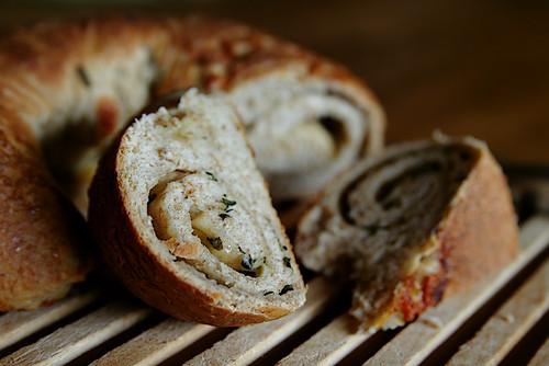 Cheese, Thyme & Beer Spelt Bread