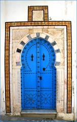 Typique (freddie2310) Tags: door blue screensaver tunisia tunis sidibousaid porte tunisie bleue