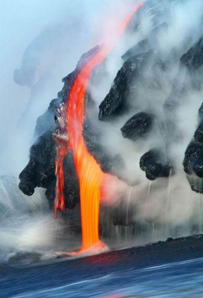 422519368 a3cdc4b1e4 o Danger and Beauty of Hawaiian Volcanoes