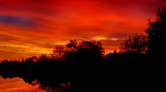 Fire in the Sky (Flying Fin) Tags: sunset england reflection thames catchycolors apocalypse oxford thamesriver fireinthesky sonning naturesfinest instantfave outstandingshots abigfave anawesomeshot impressedbeauty goldenphotographer wowiekazowie diamondclassphotographer flickrdiamond shiningred 114explore180307