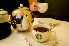 pot o tea and cup
