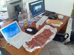 prosciutto (Antonio Molinari) Tags: work office ufficio redmood