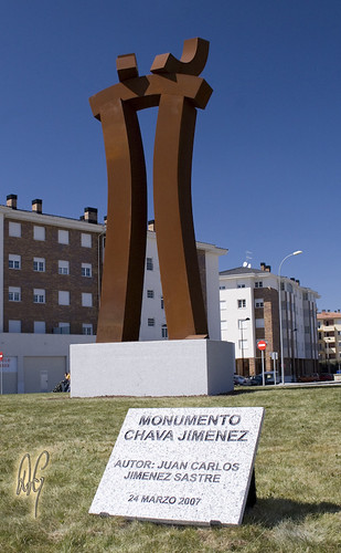 Sculpture tribute to José María Jiménez (aka 'El Chava') by d.v.g.