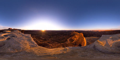 Dawn at the tip of White Crack at Canyonlands National Park © jaovandelagemaat All rights reserved.
