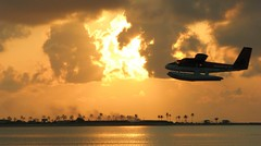 Sunrise 20/04/2007 - Seaplane ( DD) Tags: birds sunrise airport aircraft maldives didi a340 hussain twinotter supershot dhc6 aplusphoto