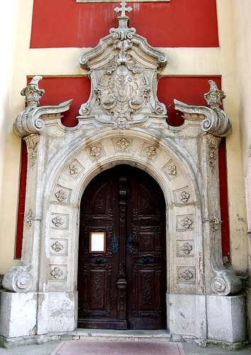 The front entrance at the Belgrade Cathedral in Szentendre