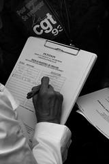 1er Mai 2007 - LO: Arlette Laguillier (glucozze) Tags: lo travail worker pcf politique fn arlette cgt ouvriers travailleur travailleurs laguillier lutteouvrire antisarkozy 1ermai2007 proltaire