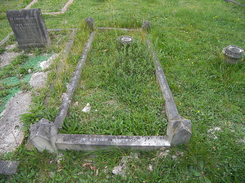 Grave of John Matthews & Mary Elizabeth Matthews nee Elstone