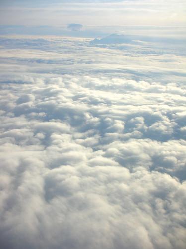 03-CloudsMtRainier2