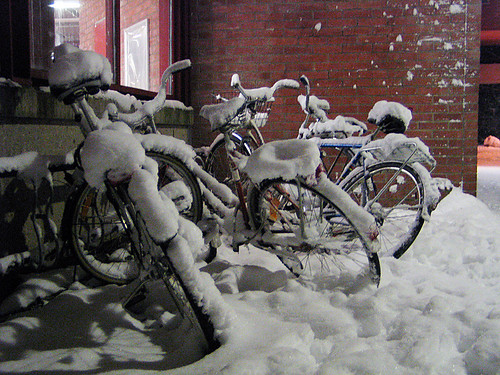 EFIT 06:00 - Bicycles at Skarpnäck subway station, surprised by snow