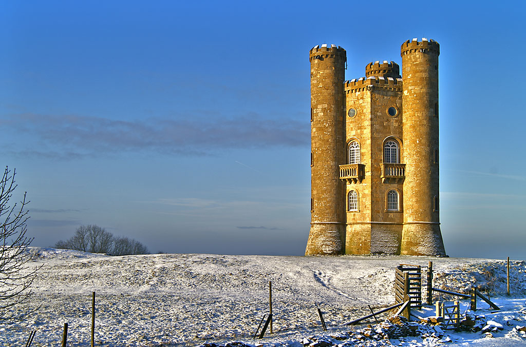 Broadway Tower is one of England's outstanding viewpoints and, at 1024 feet (312m) above sea level, it is the second highest point on the Cotswold Ridge.<br /><br />Built in 1799, it is a perfect example of an eighteenth century Gothic folly from which it is possible to survey an area which includes as many as thirteen counties.